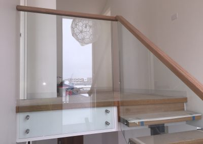 Square Handrail Trenched Over Glass